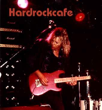 Björn HardRock Cafe 87 red1 kopiera.jpg